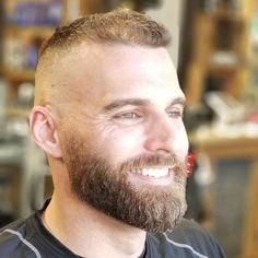 Buck and Beard — Medium Beard Styles, Hair And Beard Styles, Short Beard, Short Hair Cuts, Cool Haircuts, Haircuts For Men, Beard Head, High Fade Haircut, Beards