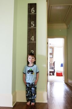 DIY Growth oversized ruler - I like the foot marker lines the whole width of the board