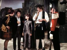 Hamish Wilson, Patrick Troughton, Wendy Padbury and Bernard Horsfall on the set of The Mind Robber Wendy Padbury, Dr Who Companions, Rose And The Doctor, Sci Fi Tv Series, Jon Pertwee, Blake Lively Style, Classic Doctor Who, Second Doctor, Through Time And Space