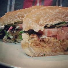Hoy comeremos una riquísima #hamburguesa de lentejas, receta en pequemundo.es