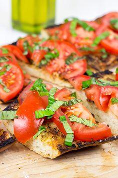 ... on Pinterest | Bruschetta, Bruschetta Chicken and Garlic Bread