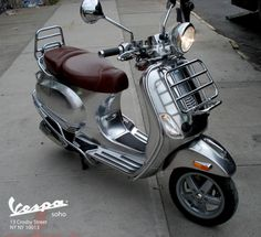 Custom Chrome Vespa LXV