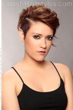 Forty is a dreaded word for women as they getting older. These latest short hairstyles for women over 40 will make you feel 10 years younger if not more. Undercut Hairstyles Women, Short Hair Undercut, Wedge Hairstyles, Winter Hairstyles, Hairstyles Haircuts, Braid Hairstyles, Undercut Women, Edgy Haircuts, Pixie Haircuts