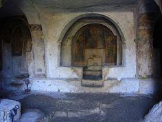La Chiesa rupestre di San Nicola a Mottola | HiPuglia  http://www.hipuglia.com/2013/02/la-chiesa-rupestre-di-san-nicola-mottola.html