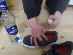 воняет обувь Vodka, Liqueur, Smart Water, Tricks, Ale, Water Bottle, Tips And Tricks, Alcohol, Automobile