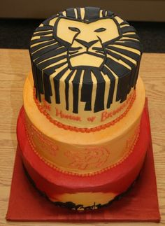 Lion King Cake. if someone gets this for me... i would possibly die. just saying.