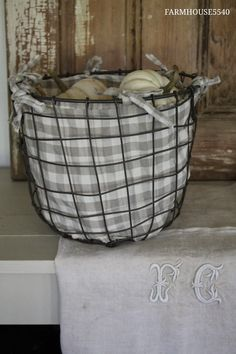 Cloth lined old wire basket filled with white pumpkins- Farmhouse Fall decorating Wire Basket Decor, Basket Decoration, Wire Baskets, Chicken Wire, White Pumpkins, Farmhouse Design, Crates, Diy Home Decor, Shabby Chic