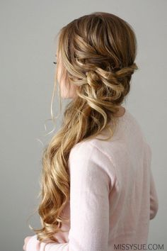 27 Jan 2020 - New Years Eve is nearly here and this side swept dutch braid would be the perfect party look! Whether you're going out to dinner with that special someone or dancing the night away, this look is glamo Bridesmaid Hair Side, Wedding Hair Side, Wedding Hair And Makeup, Bridal Hair Side Swept, Bridesmaid Side Hairstyles, Side Swept Curls, Side Swept Hairstyles, Braided Hairstyles, Wedding Hairstyles