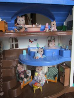 Shades Of Tangerine: Doll House Makeover ~ Part 2 (DIY)