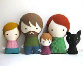 Familia con perro personalizable hecha a mano. Muñecos de trapo. Personaliza tu familia.