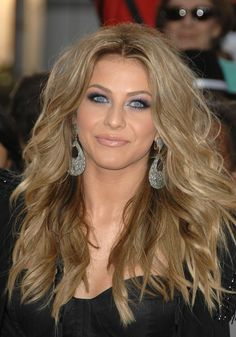 eye makeup eye makeup eye makeup!! and love this hair color!  SHE IS SO PRETTY AND IS NOT TOO THIN.
