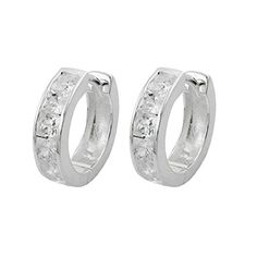 A chic and elegant pair of hoop earrings with 6 zirconia crystals on each earring. The pair is timeless and always a wonderful gift. Silver silver sterling silverclasp: wiringprice per 1 pair Elegant, Luxury Jewelry, Handmade Jewelry, Hoop Earrings, Wedding Rings, Pairs, Engagement Rings, Crystals, Chic