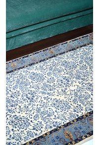 Wool & Silk Collection,The Carpet Cellar,William Morris<br>TCC-9859<br>5.6 Feet X 4.1 Feet