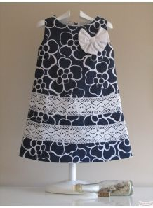 I like the lace! Little Dresses, Little Girl Dresses, Cute Dresses, Girls Dresses, Frock Patterns, Moda Kids, Frocks For Girls, Dress Tutorials, Baby Sewing