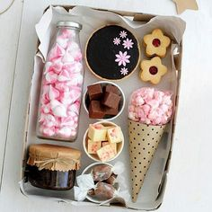 Ideas For Birthday Box Theme Gift Hampers, Gift Baskets, Homemade Gifts, Diy Gifts, Cute Birthday Gift, Birthday Box, Dessert Boxes, Diy Gift Box, Gift Boxes