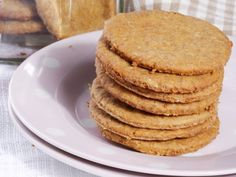 Sugar-free ginger biscuits • As easy as that, and perfect for dishing out to friends over the weekend.