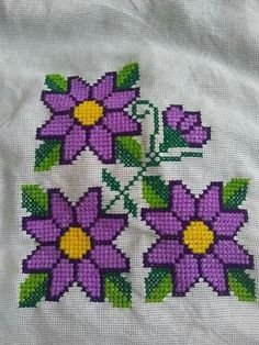 Cross Stitch Designs, Cross Stitch Patterns, Butterfly Cross Stitch, Creative Embroidery, Simple Cross Stitch, Big Flowers, Cross Stitching, Diy And Crafts, Sewing Patterns