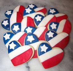 of July Heart Cookies.three of my favorite things. My flag, hearts & cookies :) Galletas Cookies, Cupcake Cookies, Baby Cookies, Cookie Favors, Flower Cookies, Valentine Cookies, Christmas Cookies, Easter Cookies, Birthday Cookies