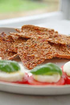 Raw Sun Dried Tomato and Herb Golden Flax Crackers, with a creamy Macadamia 'Mozzarella' (Dairy free) - raw perfection!