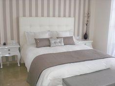 dormitorio con papel tapiz en cabecero - Buscar con Google