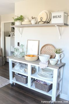 Pretty in Pink Spring Home Tour Kitchen cart styled for spring. Design Room, Home Design, Layout Design, Design Design, Kitchen Buffet Table, Small Kitchen Tables, Ikea Kitchen Cart, Ikea Cart, Kitchen Trolley