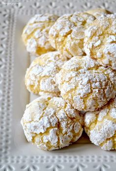 ~ Biscotti morbidi al limone. Cookie Recipes, Dessert Recipes, Almond Pastry, Fluffy Biscuits, Desserts With Biscuits, Biscuit Recipe, Christmas Desserts, Cupcake Cookies, Sweet Recipes