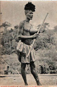 Musico Fang con Nvet Oyeg. Guinea Ecuatorial.