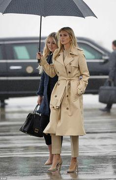 Ivanka Trump Clothes and Outfits Ivanka Trump Outfits, Ivanka Trump Style, Ivanka Trump Dress, Business Outfit Damen, Business Outfits, Curvy Fashion, Look Fashion, Fashion Outfits, Fashion 2018