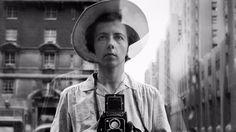 Vivian Maier war ein Kindermädchen, das fotografierte. Die Fotos wurden erst nach ihrem Tod entdeckt. Heute gelten sie als Meisterwerke – und sind jetzt in der Photobastei zu sehen.