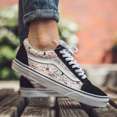 """Peanuts x vans old skool """"smack"""" off the wall since 1966 in Converse, Vans Sneakers, Tennis Vans, Cute Vans, Vans Girls, Surf Girls, Nike, Girls Football Boots, Adidas"""
