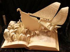 Les personnages de romans fabriqués à partir des pages de leurs livres