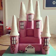 Girly girly castle cake! Every little princesses dream cake!