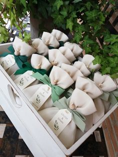 Wedding Favor Bags / Sacchetti Matrimonio in 2020 Wedding Favour Kits, Wedding Gifts For Guests, Wedding Favor Bags, Diy Wedding Favors, Wedding Invitations, Wedding Decorations, Wedding Favours To Take Abroad, Elegant Wedding Favors, Wedding Rustic