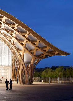 Centre Pompidou Metz - Shigeru Ban our 2014 pritzker prize winner Architecture Mode, Timber Architecture, Amazing Architecture, Contemporary Architecture, Architecture Details, Landscape Architecture, Library Architecture, Shigeru Ban, Centre Pompidou Metz