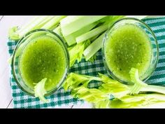 There's no reason not to try the latest celery juice trend! Find out here why celery juice is quickly gaining popularity. Infection Des Reins, Matcha Tee, Celery Juice Benefits, Low Stomach Acid, Registered Dietitian Nutritionist, Health Trends, Oreo, Milkshakes, Medicinal Plants