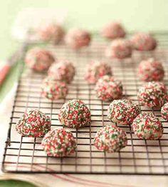 Christmas cookies! Christmas Sandies   http://diyready.com/15-favorite-diy-christmas-cookies-best-christmas-cookie-recipes/