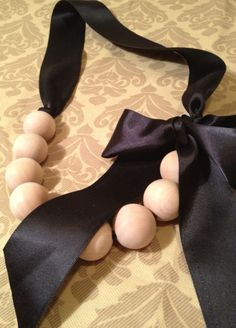 Wood Bead Ribbon Necklace.