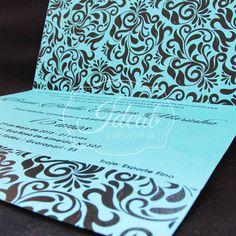 Produção Papel color plus 180 g     Embalados em saquinhos transparentes + Tag com nome do convidado.     Altura: 17   Largura: 21. cm   Aberto: 29.70 cm    ___________________________________    Os convites são totalmente personalizáveis.  Cores, Texto, Fitas e strass podem ser alterados ou adic...
