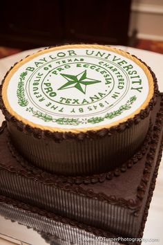 Groom's cake with the Baylor University seal -- now THAT'S a cake!