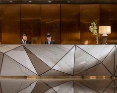 Working on a hotel lobby furniture interior design project? Find out the best furniture inspirations Modern Reception Desk, Reception Desk Design, Lobby Reception, Office Reception, Lobby Bar, Reception Counter, Reception Areas, Coperate Design, Design Ideas
