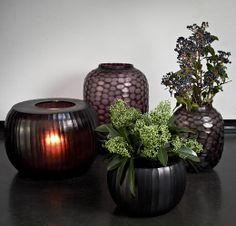 Flower Planters, Shop Interiors, Interior Accessories, Cut Glass, Flower Designs, Planting Flowers, Flower Arrangements, Floral Design, Table Settings