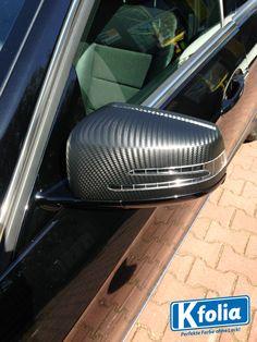 Bei diesem Mercedes e-Klasse wurden die Spiegel im Carbon look beklebt.  #Seitenspiegel #Carbon #Autofolierung #Folierung #Mercedes
