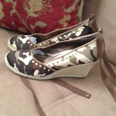 """Camo Crazy KVZ Wedges Kathy Van Zeeland camo gold studded wedges with 3.5"""" raffia wedge and brown flat ribbon laces (optional, can be removed) New never worn. Kathy Van Zeeland Shoes Wedges"""
