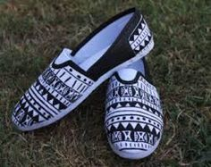 black and white painted toms