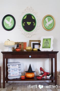 Halloween Craft: Wicked Ikea Frame: Finishing Touches