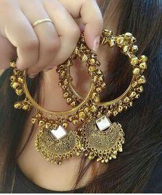 Indian Gold Jewelry Near Me Indian Jewelry Earrings, Indian Jewelry Sets, Jewelry Design Earrings, Indian Wedding Jewelry, Bridal Jewelry Sets, Fashion Earrings, Jewelery, Fashion Jewelry, Gold Jewelry