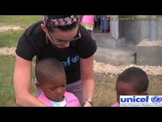 The american singer and songwriter, Katy Perry, was in Madagascar on 5, 6, 7 April 2013, on invitation by UNICEF. Here is a video for remembering this event.