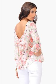 girly floral blouse with a bow<3 Get a discount: http://www.studentrate.com/itp/get-itp-student-deals/Necessary-Clothing-Student-Discount--/0