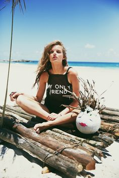wildfox-spring-2014-the-wildfox-lagoon-shot-by-mark-hunter-14.jpg 800×1.200 pixels
