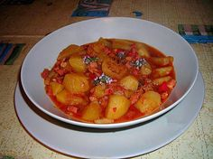 Guiso de patatasal tomillo con tacos de jamón Ratatouille, Tacos, Ethnic Recipes, Food, Gastronomia, Crock Pot, Potatoes, Recipes, Cook